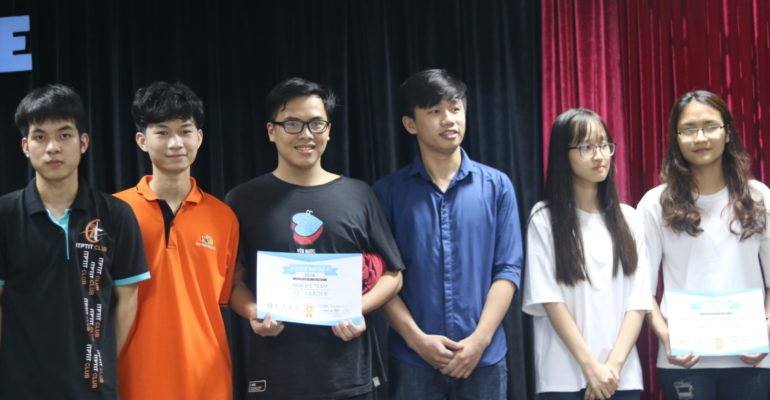 Đại học FPT dành chiến thắng tại Code battle 2018