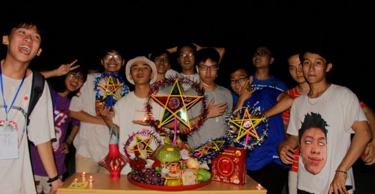 """""""Đêm hội trăng rằm"""" - Trung thu xa nhà đầu tiên của K14 tại Xuân Hoà Resort"""